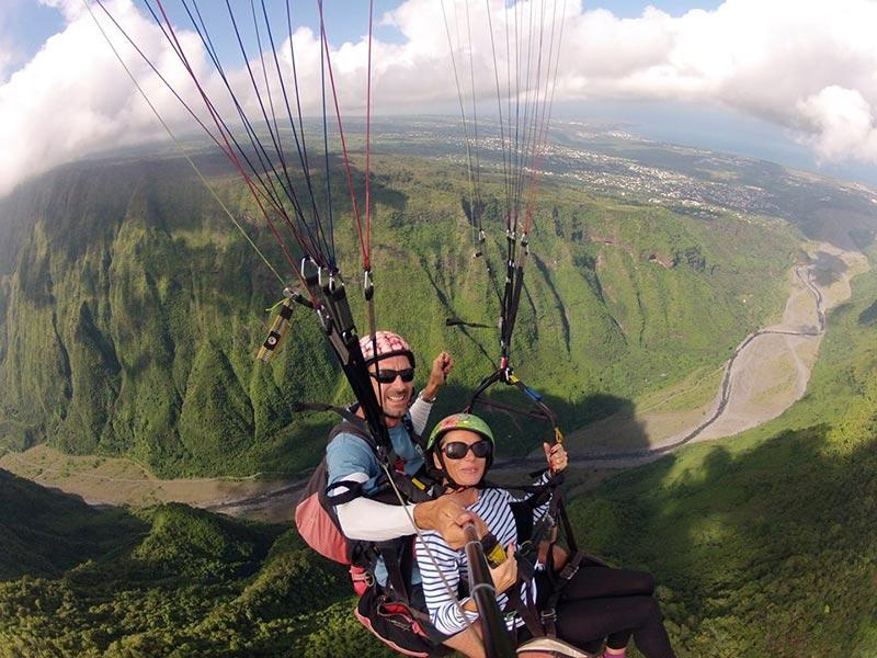 Vol en parapente au départ de Bellemène sur l'île de la Réunion